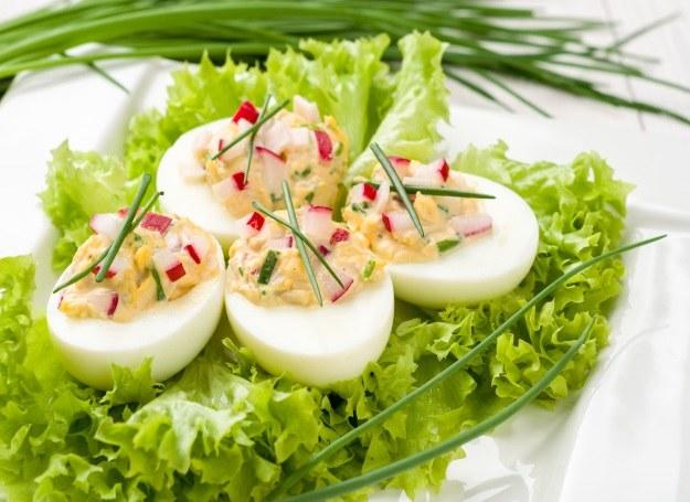 Świeże jajka z rzodkiewką /123RF/PICSEL