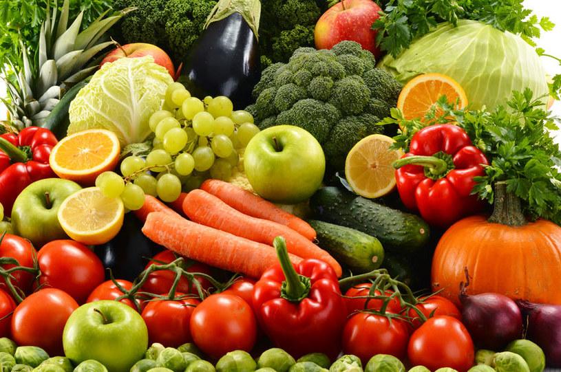 Świeże owoce i warzywa /©123RF/PICSEL