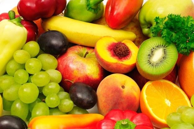 Świeże owoce w diecie /© Photogenica