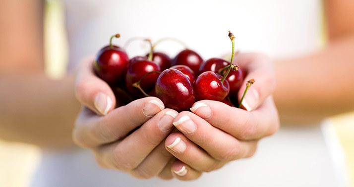 świeże owoce /© Photogenica