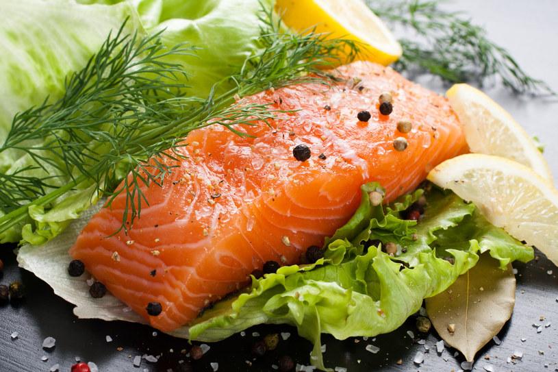 Świeże, tłuste ryby są podstawią diety nordyckiej /123RF/PICSEL