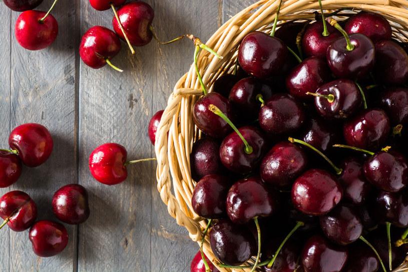 Świeże wiśnie /©123RF/PICSEL