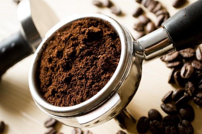 Świeżo zmielona kawa /© Photogenica