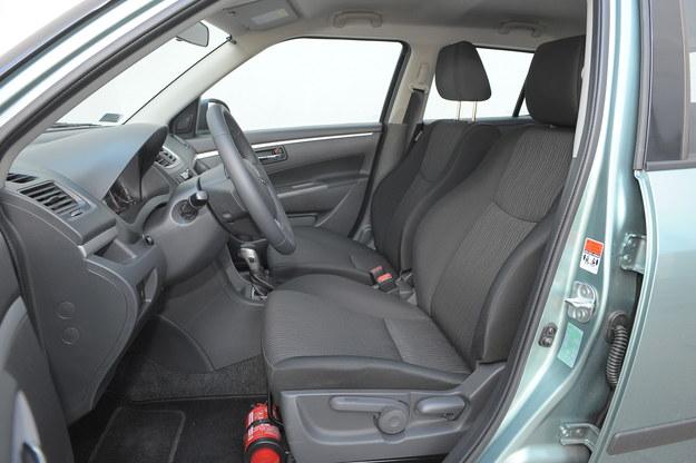 swift fotele przod /Motor