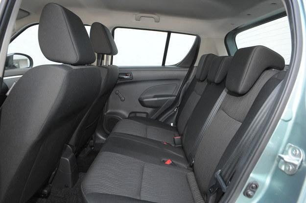 swift fotele tyl /Motor