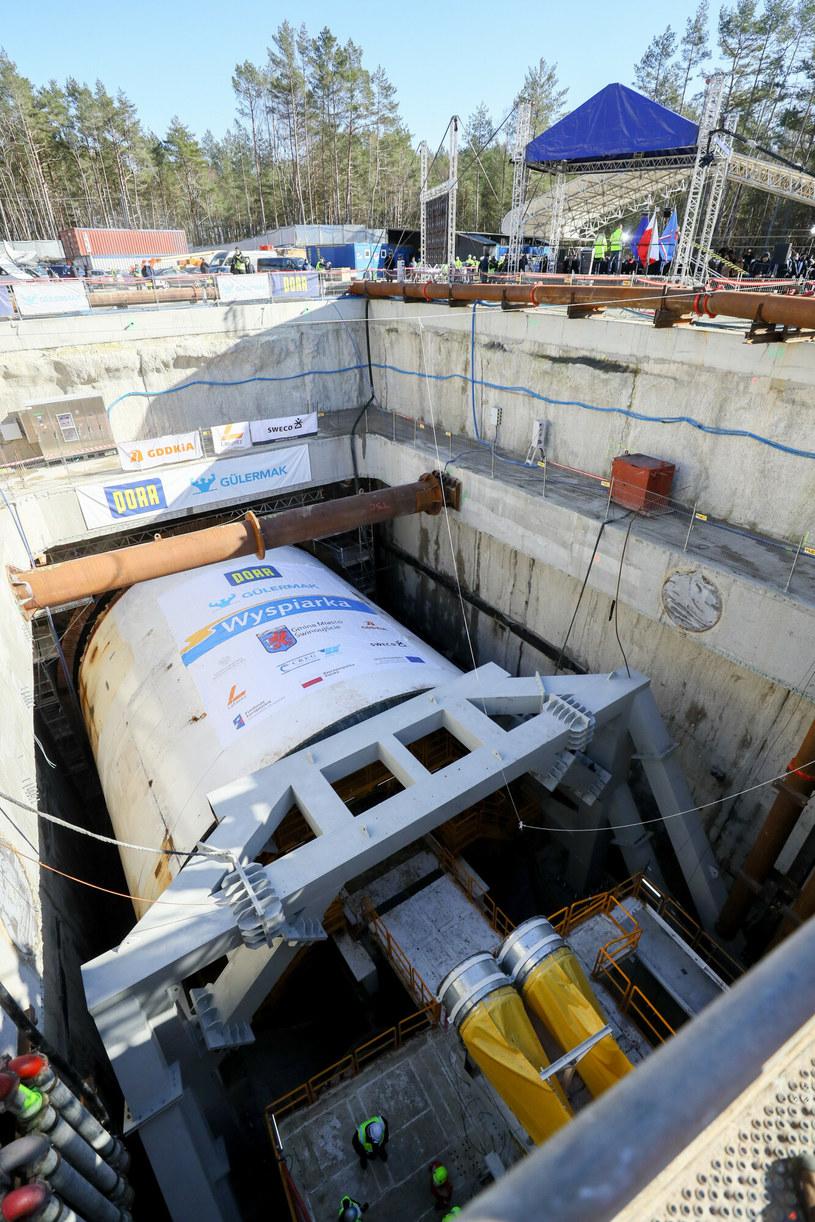 Świnoujście - maszyna do drążenia tunelu pod dnem Świny łączącego wyspy Uznam i Wolin /Robert Stachnik /Reporter