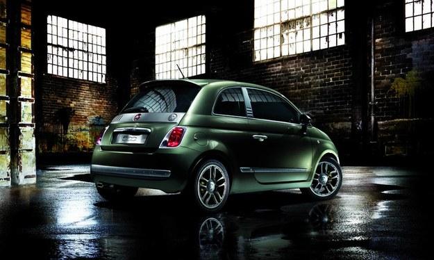 """Swoją wersję """"pięćsetki"""" przedstawiła również awangardowa marka odzieżowa Diesel. /Fiat"""