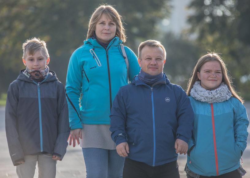 Swoje dzieci uczy, by nie poddawały się, nie były bierne i nie dawały nikomu niszczyć swoich marzeń /Polsat