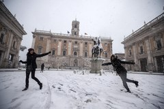 Syberyjski front zimna przyniósł do Rzymu… śnieg