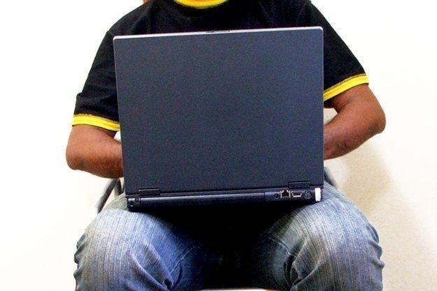 Sygnał Wi-Fi z laptopa może mieć zły wpływ na... plemniki /stock.xchng