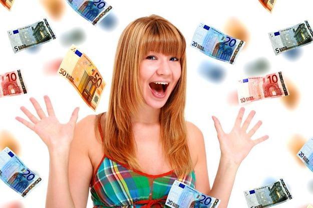 Sylwester za granicą? Nie przepłacaj za wymianę waluty /©123RF/PICSEL