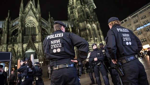 Sylwestrowe napaści na kobiety w Niemczech. Prokuratura zidentyfikowała tylko 120 sprawców