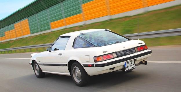 Sylwetka klina była miarą nowoczesności na przełomie lat 70. i 80. XX w. Na zdjęciu wersja w specyfikacji amerykańskiej (mała wnęka na tablicę). /Motor