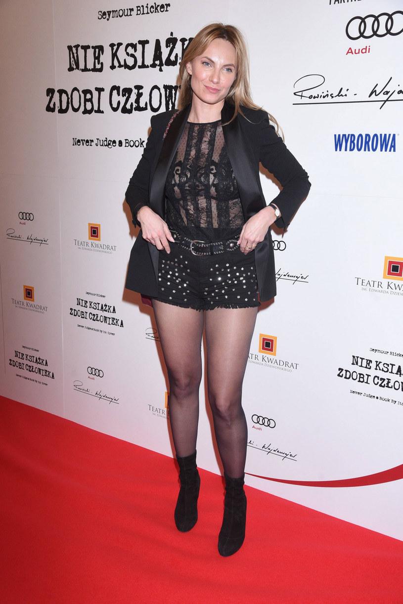 Sylwia Gliwa przyszła na premierę w szortach /Tricolors /East News