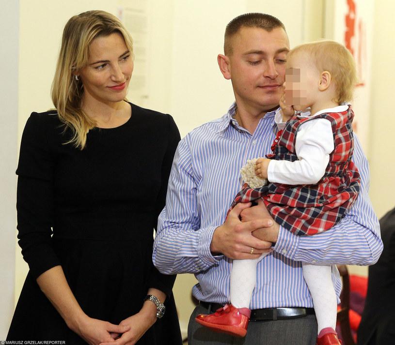 Sylwia Gruchała, Marek Bączek z córką Julią /Mariusz Grzelak /Reporter