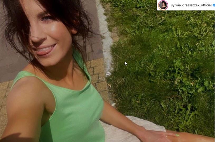 Sylwia Grzeszczak opublikowała zdjęcie, które zadziwiło jej fanów. Wygląda jak nastolatka? /Instagram