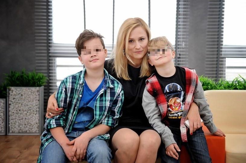 Sylwia z synami /Blawicki  /East News