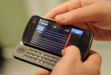 Symbian - system znany dotąd głównie z telefonów - może niebawem pojawić się w netbookach /AFP