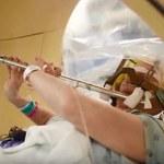 Symfonia w trakcie operacji mózgu. To pacjentka grała na flecie podczas zabiegu!
