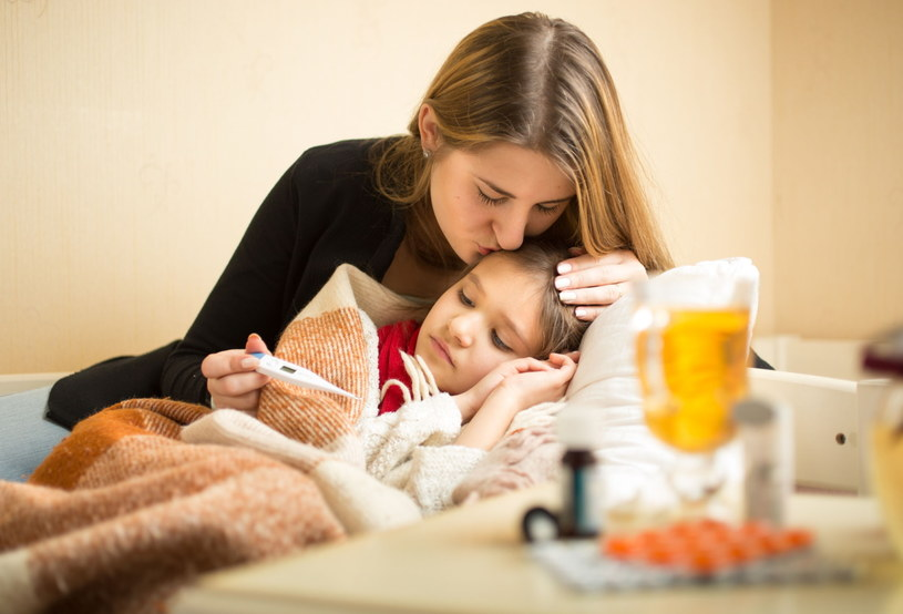 Symulowanie choroby może sprawić, że rodzice nie zaufają ci, jeżeli faktycznie będziesz czuł się źle /123RF/PICSEL