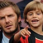 Syn Davida Beckham skopiował fryzurę sławnego taty? Piłkarz zabiera głos
