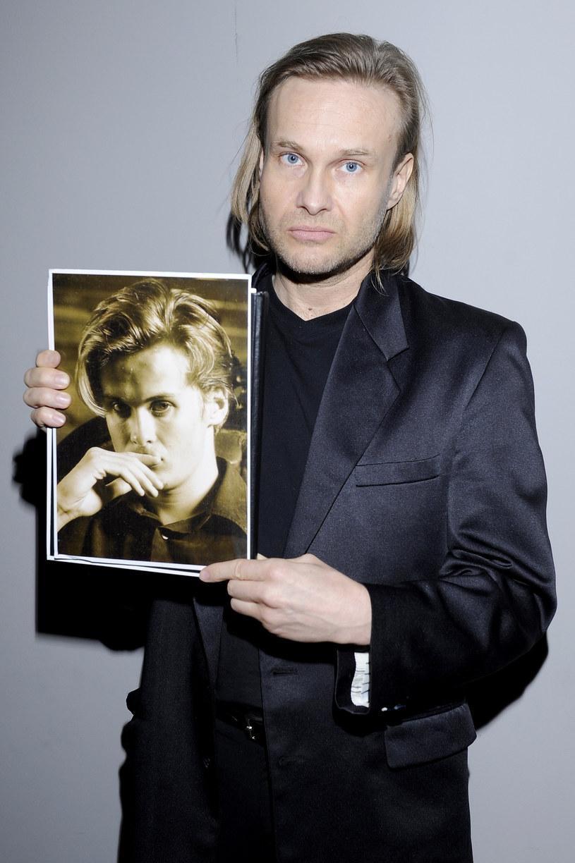 Syn Jerzego Skolimowskiego, Michał, ze zdjęciem młodszego brata Józefa /AKPA