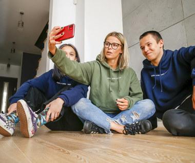 """Syn Michała Wiśniewskiego wydał debiutancki singel. Posłuchaj utworu """"Prąd"""""""
