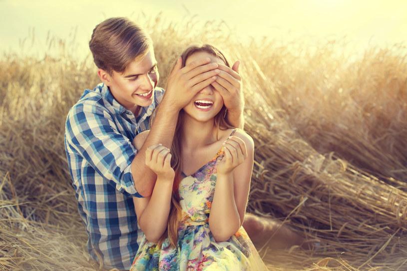 Syn znalazł sobie dziewczynę, cieszę się, ale... /123RF/PICSEL