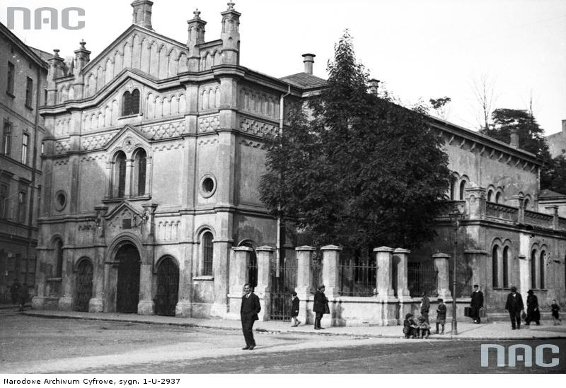 Synagoga Tempel na Kazimierzu przy ulicy Miodowej w Krakowie, kwiecień 1936 /Z archiwum Narodowego Archiwum Cyfrowego