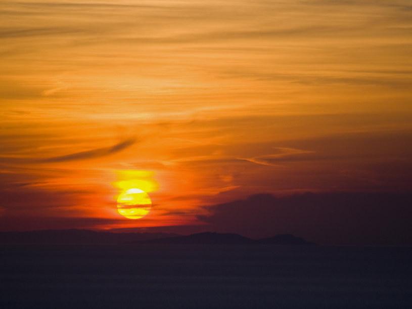 Syndrom zachodzącego słońca /© Photogenica