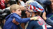 Synek pociesza mistrzynię olimpijską