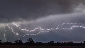 Synoptycy ostrzegają przed burzami, ulewami i upałem