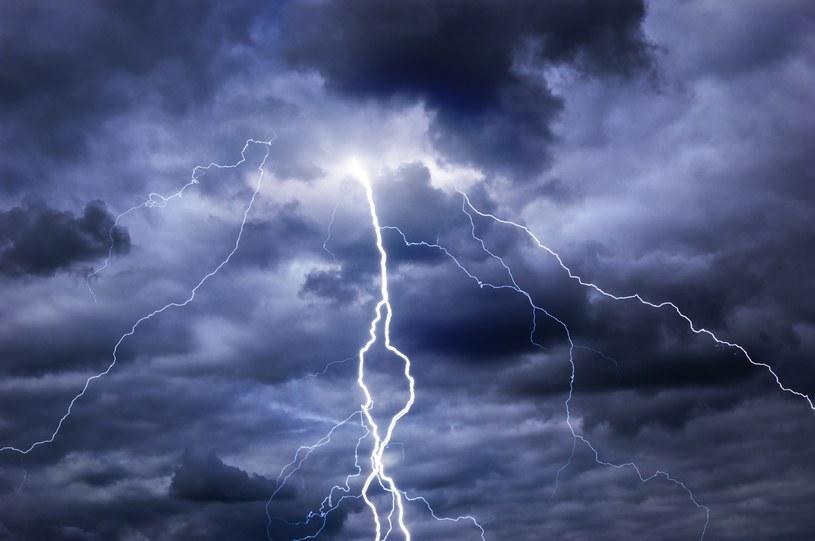Synoptycy ostrzegają przed burzami z gradem /123RF/PICSEL