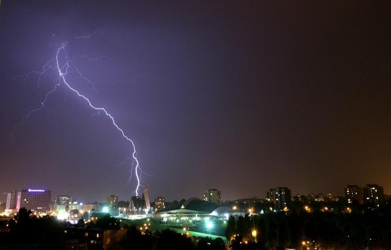 Synoptycy ostrzegają przed burzami /Kuba Suszek /Reporter