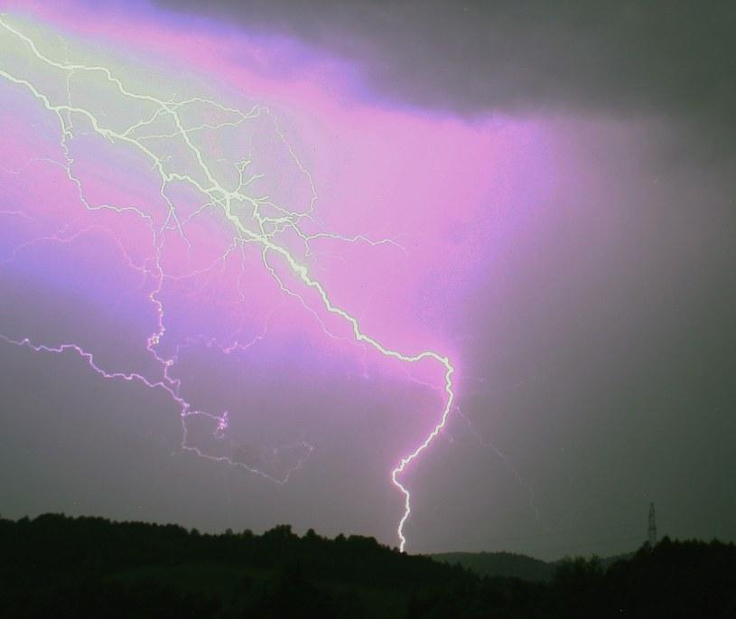 Synoptycy ostrzegają przed burzami /Wojciech Zatwarnicki /Reporter