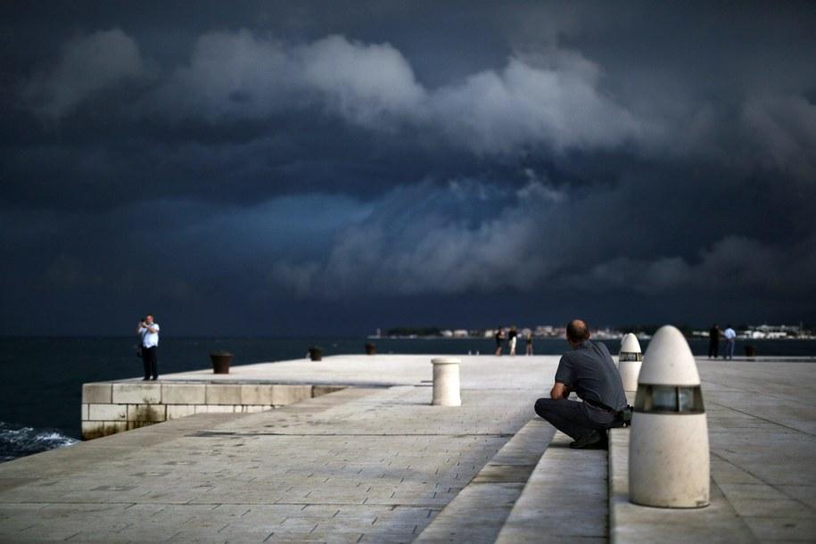 Synoptycy ostrzegają przed burzami /Filip Brala    /PAP/EPA