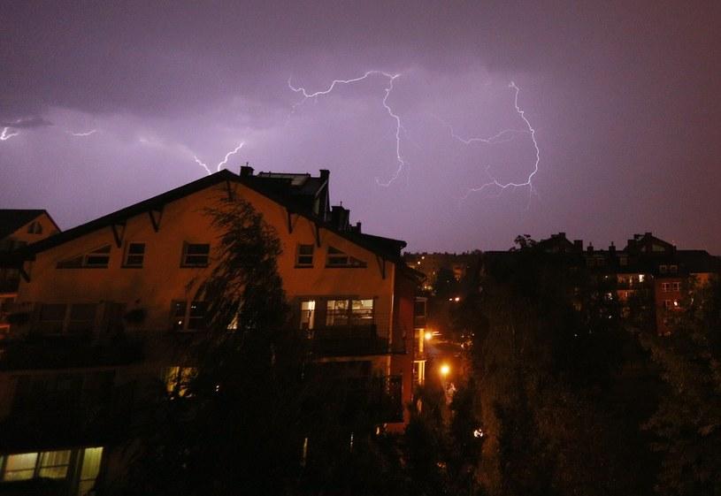 Synoptycy ostrzegają przed burzami /Mariusz Grzelak /Reporter