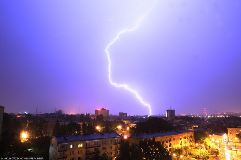Synoptycy ostrzegają przed burzami /Jakub Orzechowski  /East News