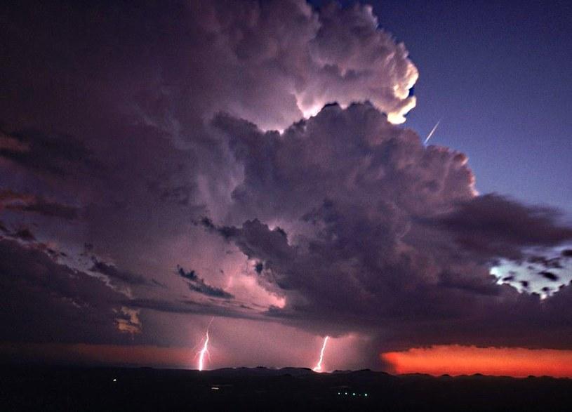 Synoptycy ostrzegają przed gwałtownymi burzami /Garry McMichael /East News