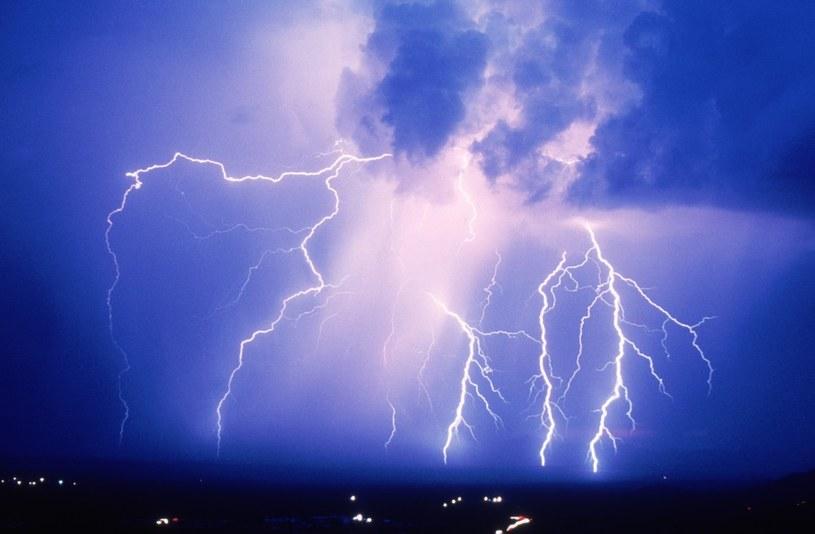 Synoptycy ostrzegają przed gwałtwonymi burzami /East News