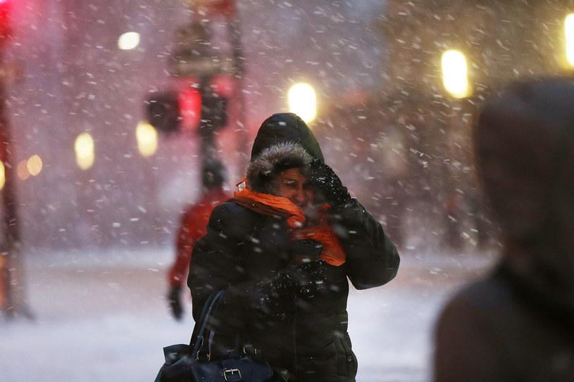 Synoptycy ostrzegają przed śnieżycami /AFP