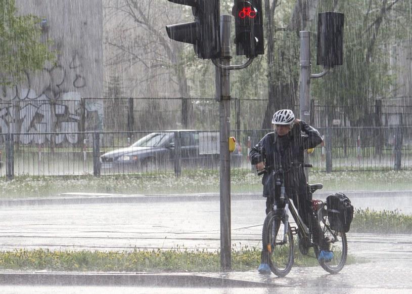 Synoptycy ostrzegają przed ulewami i burzami /Krystian Dobuszyński /Reporter