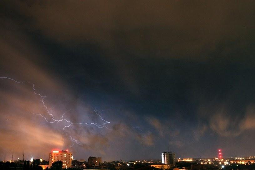 Synoptycy ostrzegają również przed burzami /Kuba Suszek /Reporter