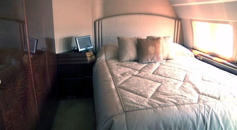 Sypialnia na pokładzie samolotu Trumpa. Zrzut ekranu z zamieszonego w materiale filmu /YouTube