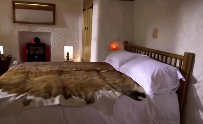 Sypialnia prehistorycznego jaskiniowca /materiały prasowe
