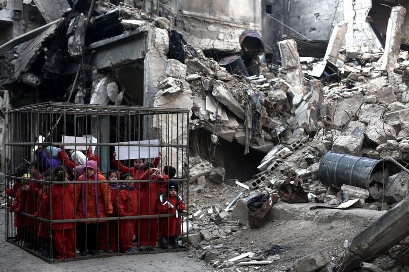 Syria. Protest przeciwko zabijaniu ludności cywilnej /Abd Doumany /AFP
