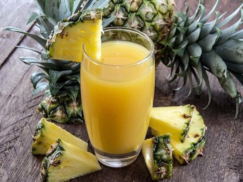 syrop z ananasa kaszel /© Photogenica