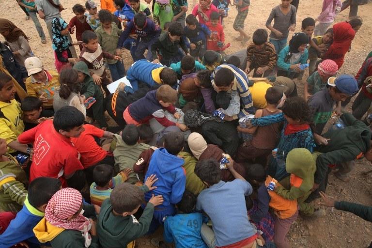 Syryjscy uchodźcy w jordańskim obozie /KHALIL MAZRAAWI / AFP /AFP