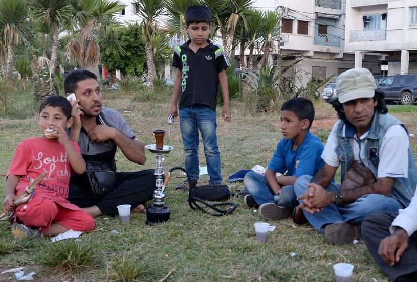 Syryjska rodzina na granicy marokańskiego Nadoru i hiszpańskiej eksklawy Melilli /AFP