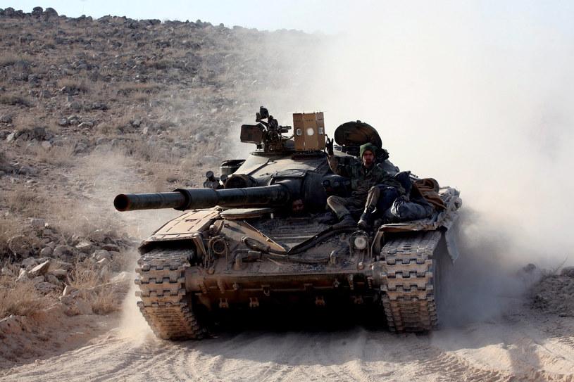 Syryjskie siły rządowe odzyskały kontrolę nad strategiczną drogą prowadzącą do miasta Aleppo /GEORGES OURFALIAN /AFP